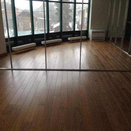 Укладка массивной доски в офисном помещении, М.О. г. Сходня